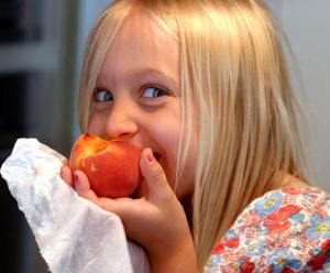 Eating peach